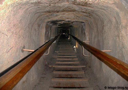 Пирамида Хеопса. Нисходящий коридор
