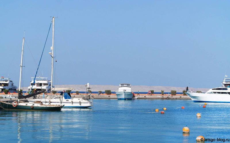 яхты на Марине Хургада