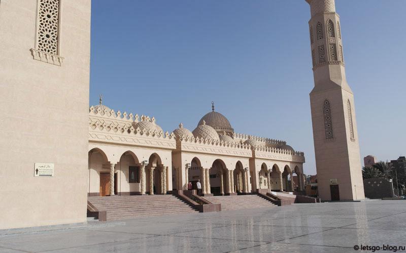 внутренний двор мечеть Эль-Мина Хургада