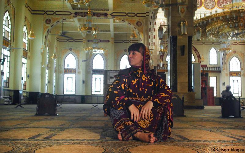 внутри мечети Эль-Мина Хургада