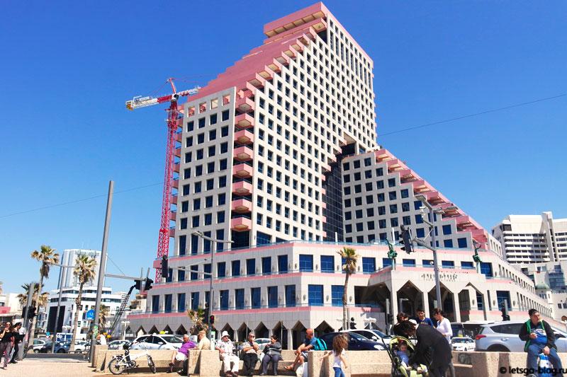 Тель-Авив. Пляж Иерушалаим (Yerushalaim) здание оперы