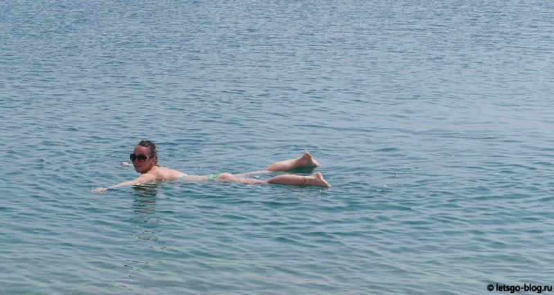 Купание в Мертвом море