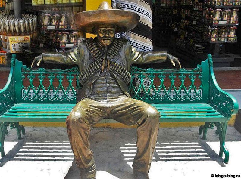 Исла Мухерес скамейка с мексиканцем