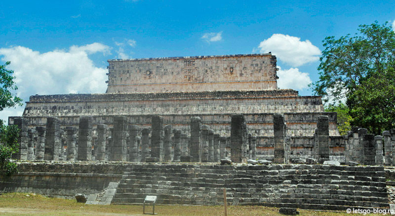 Чичен-Ица. Храм воинов (El Templo de los Guerreros). Группа Тысячи Колонн
