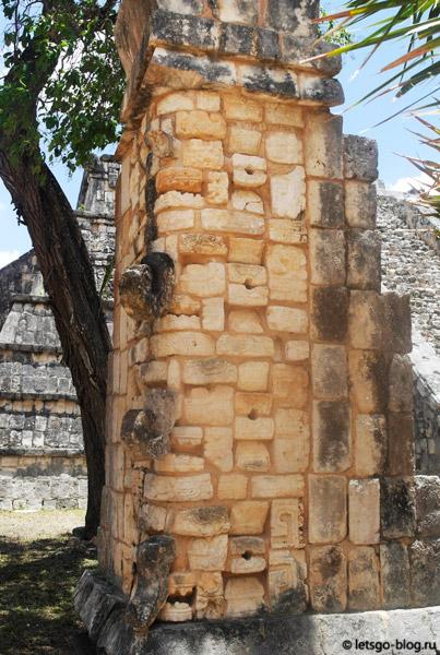 Могила священника, Чичен-Ица