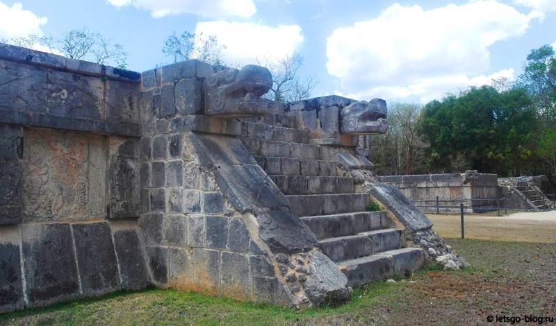 Ритуальные платформы Чичен-Ица