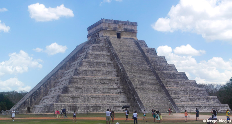 Чичен-Ица. Храм Кукулькана (El Castillo)