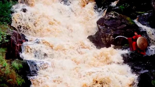 Темный мир, водопад Ахвенкоски
