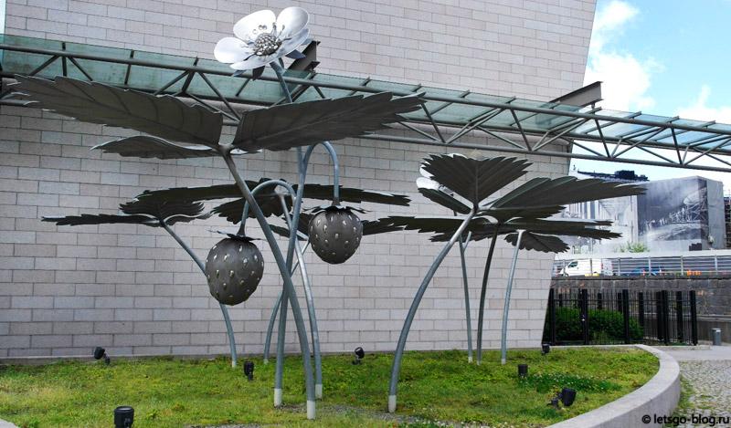 Хельсинки памятник землянике