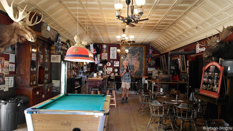 Bale of Hay Saloon Монтана