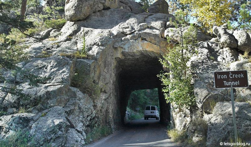 Шоссе Игл, Нидлз хайвей. Туннель Iron Creek