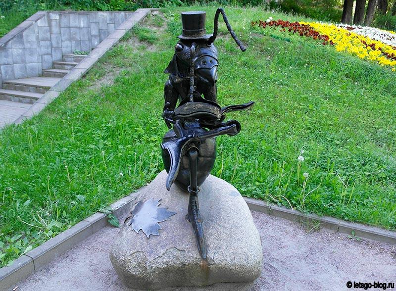 Памятник муравью Зеленогорск